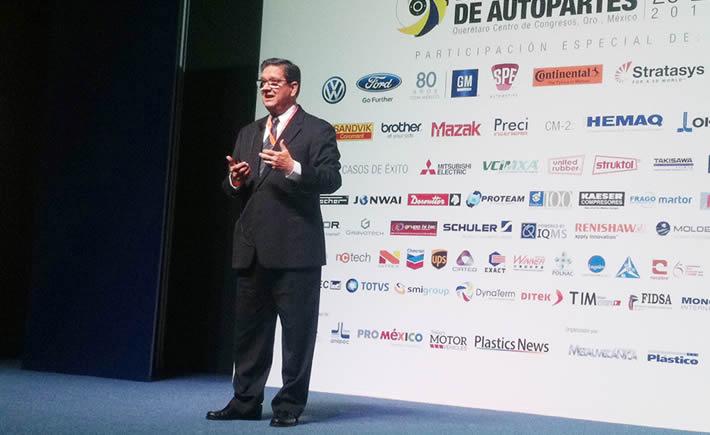 Óscar Albín, presidente Ejecutivo de la INA, dictó una conferencia magistral en El 4° Simposio y Exposición Manufactura de Autopartes. (Foto: Cortesía VA)