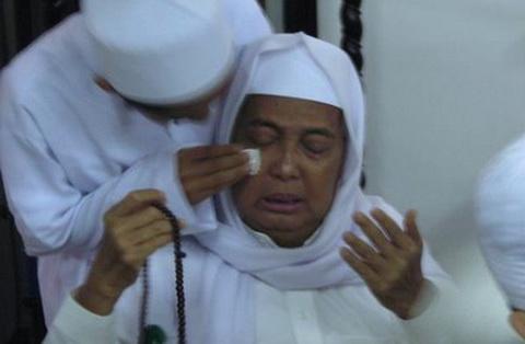 KH Ahmad Asrori Al-Ishaqi, Ulama Berilmu Laduni dan Penyejuk Hati Umat