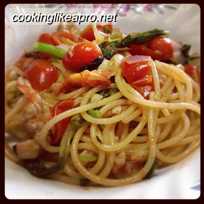 Cooking Pasta with Shrimps and Spinach