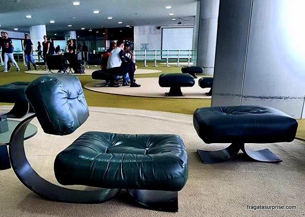 Poltrona Niemeyer, no Salão Verde da Câmara dos Deputados