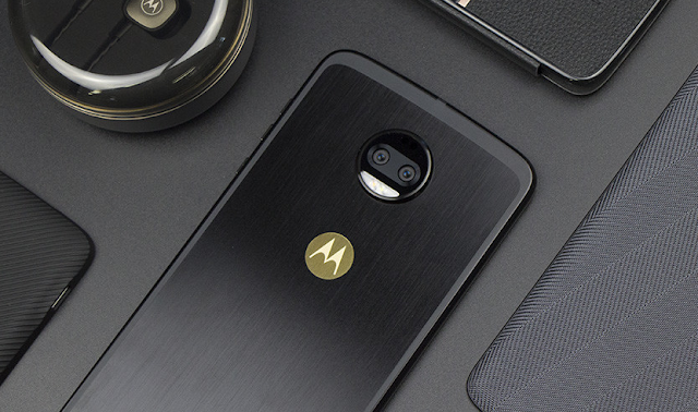 It's Official: Oreo Update for the Moto Z2 Force (US Verizon)