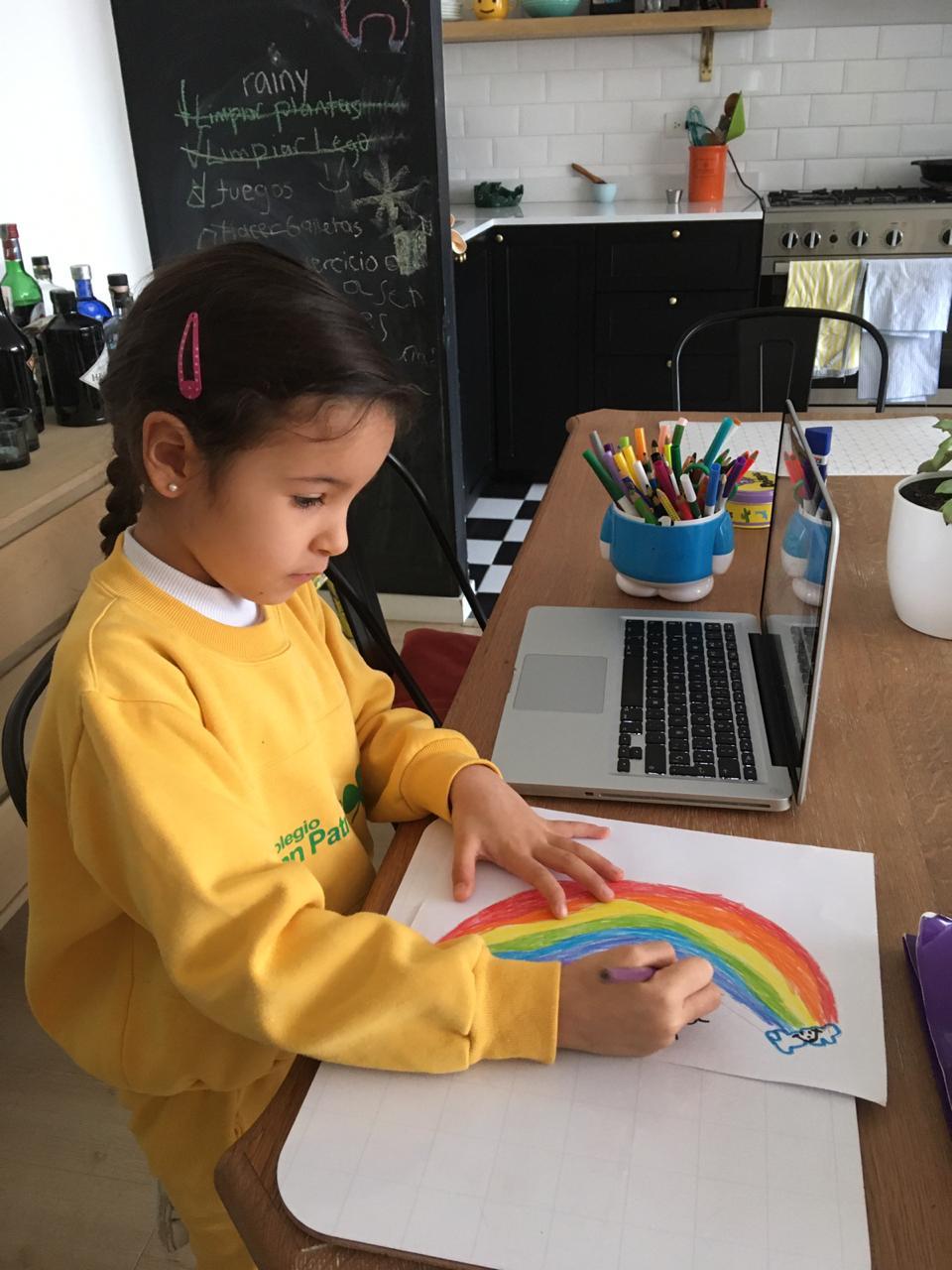 Así se preparan los colegios para continuar con la educación virtual