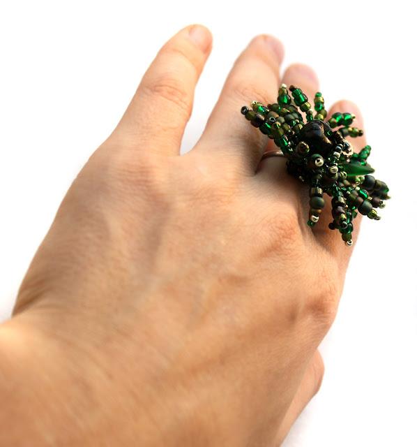 купить украшение зеленого цвета купить необычные женские кольца