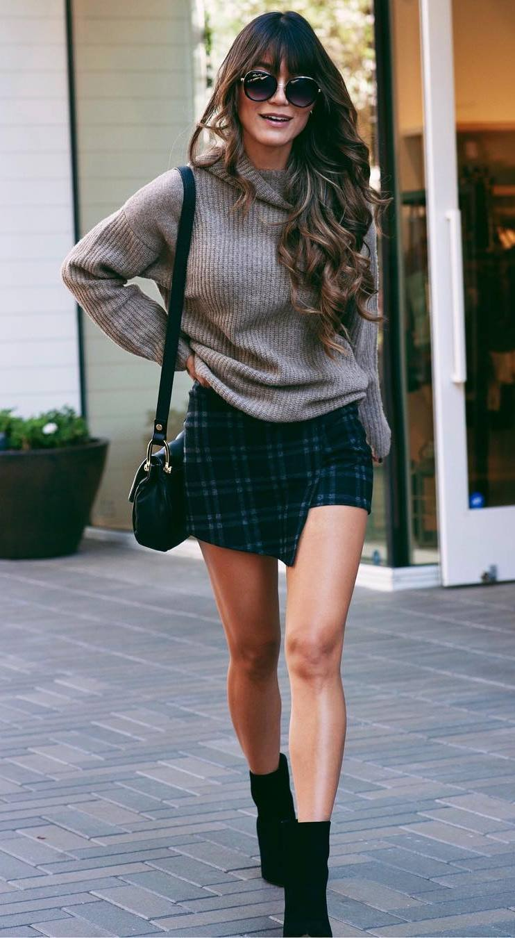 what to wear this winter : nude sweater + plaid skirt + bag + boots