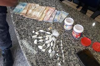 http://vnoticia.com.br/noticia/2565-pm-prende-em-barra-do-itabapoana-jovem-acusado-de-homicidio-ocorrido-em-cabo-frio