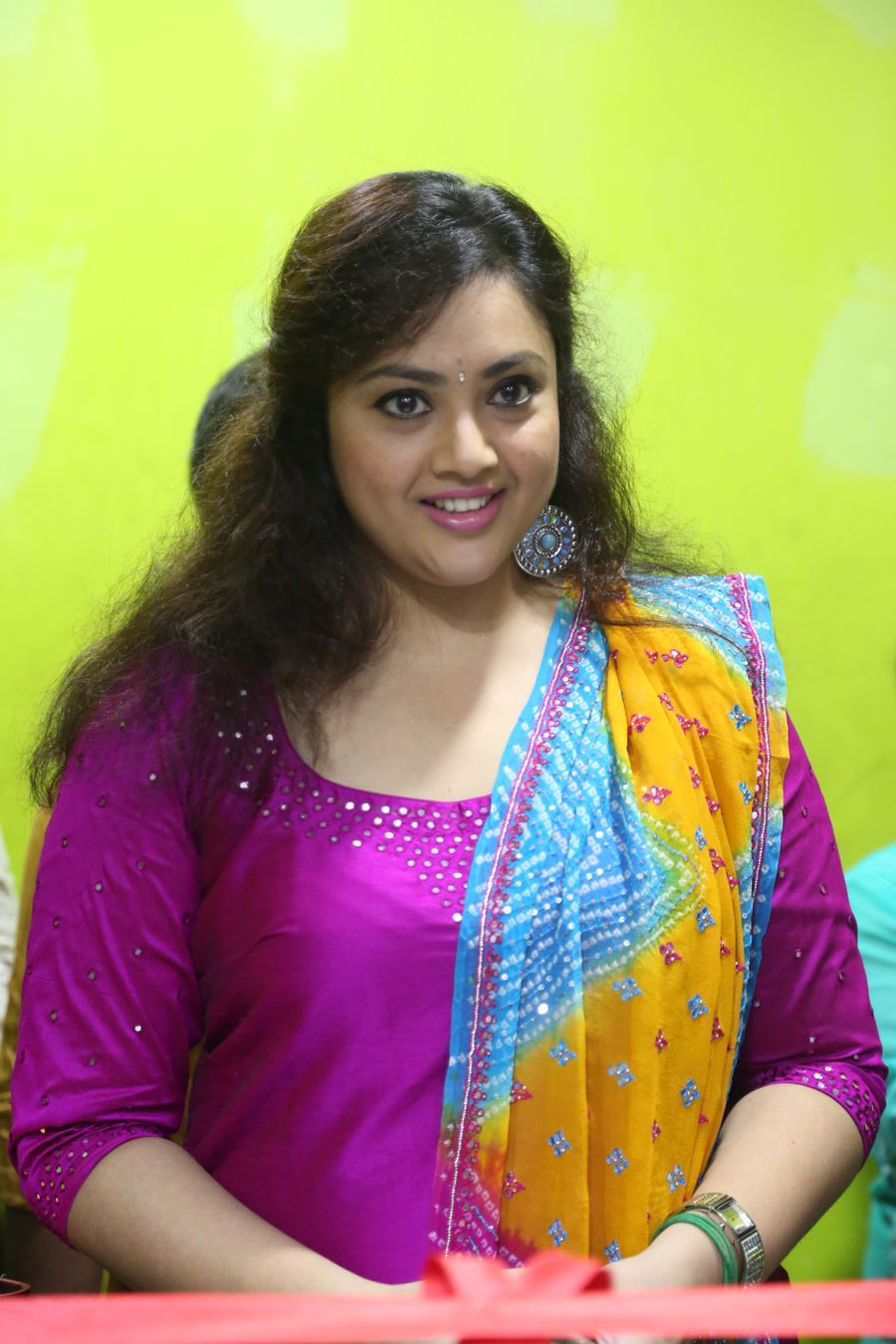 South Indian Glamorous Girl Meena Chubby Face Close up Photos In Pink Dress