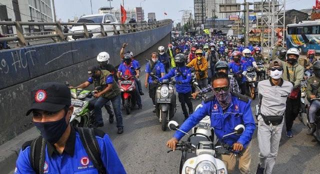 Gelombang Demo Tolak Omnibus Law tak 'Dilirik' Presiden, Hal Ini Malah jadi Perintah Jokowi ke Polri