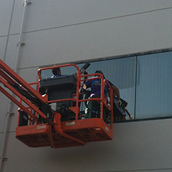 Orange County commercial window cleaning experts