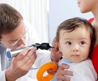 Vì sao trẻ dễ bị viêm tai giữa tiết dịch