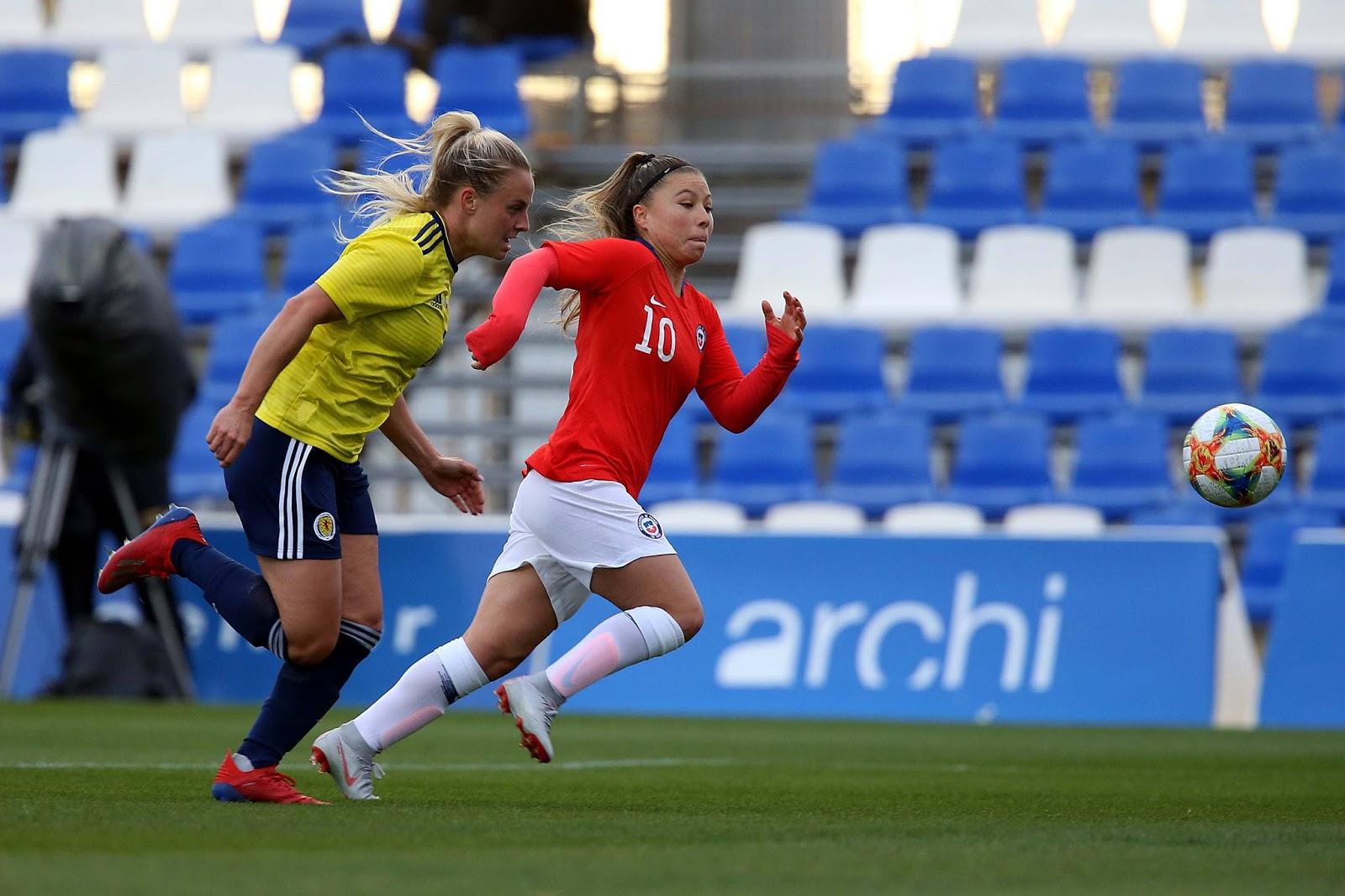 Escocia y Chile en partido amistoso femenino, 5 de abril de 2019