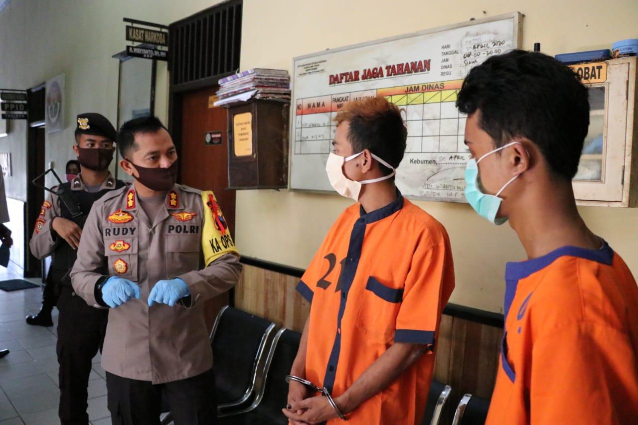 Berkenalan di Penjara, Dua Residivis ini Kepergok Nyuri di Toko Kelontong