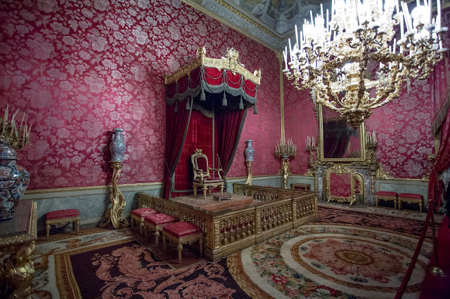 Palazzo Pitti :: Canon EOS5D MkIII | ISO6400 | Canon 17-40@17mm | f/4.0 | 1/13s