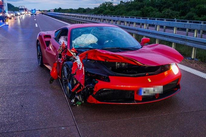 A9 bei Thurland: Ferrari und Skoda nach Unfall fahrunfähig