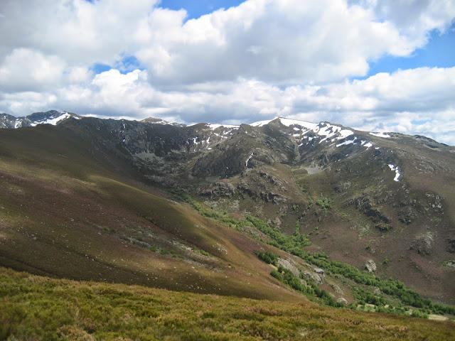 Macizo de Trevinca y valle de Meladas en A Veiga