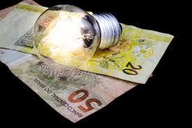 Bandeira tarifária tem déficit de R$ 3 bi em 2020, diz Aneel; valor será cobrado nas contas de luz