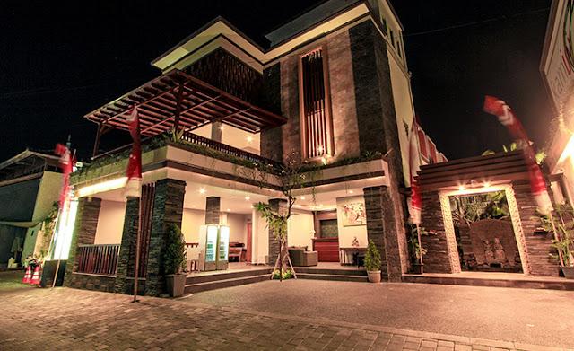 Transera Hotel kamini