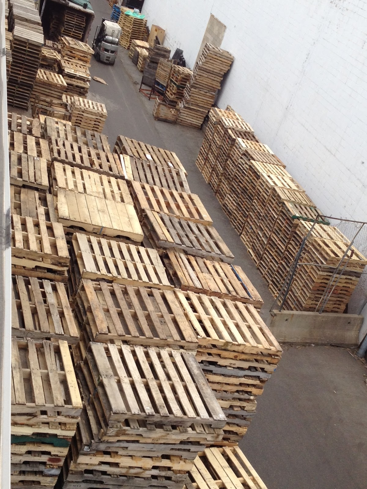 Pallet World of New England: We buy wooden pallets!