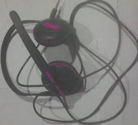 mendengarkan musik aman,earphone aman,pemilihan earphone aman