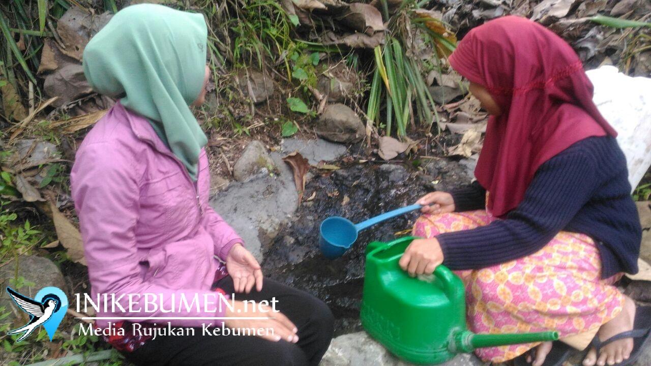 Kekeringan, Warga Karangboolong Terpaksa Beli Air Bersih