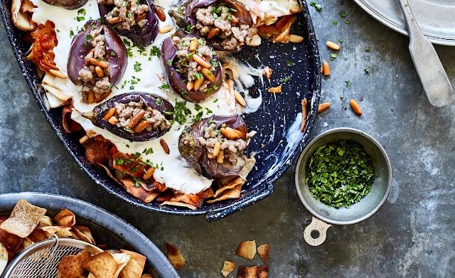 Stuffed aubergines (Fatteh't makdous)