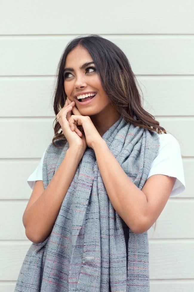Winter Wear Grey Colour Scarf