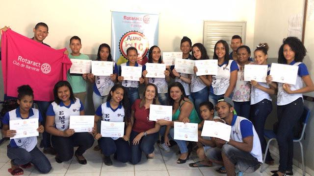 Estudantes do Riachinho participam de projeto de incentivo à produção textual, em parceria com o Rotaract