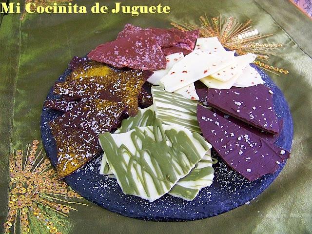 Lascas de Chocolate con Sabores: Sal, Curry - Coco, Té Verde, Pimienta Rosa y Peta Zetas