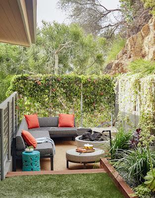 Small Backyard Patio Lounge