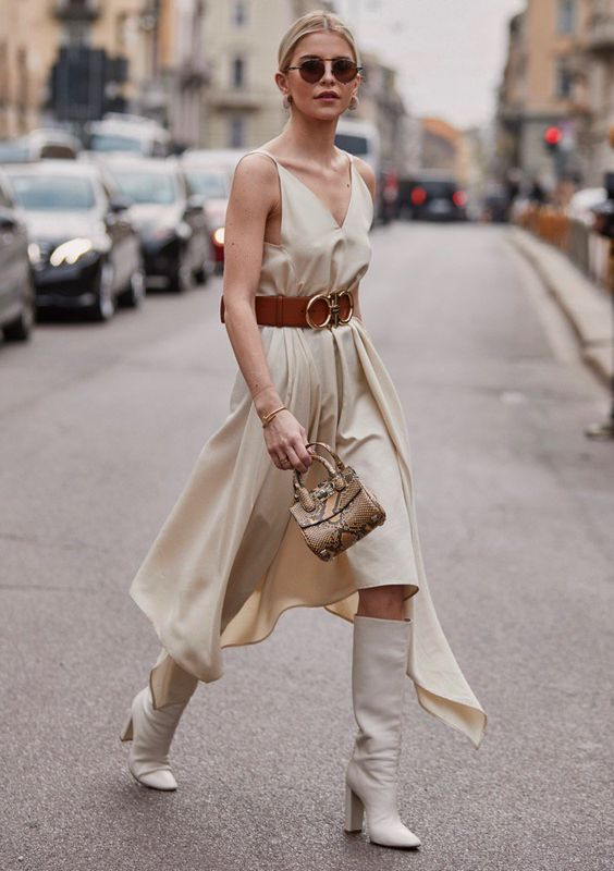 WHITE KNEE BOOT TREND