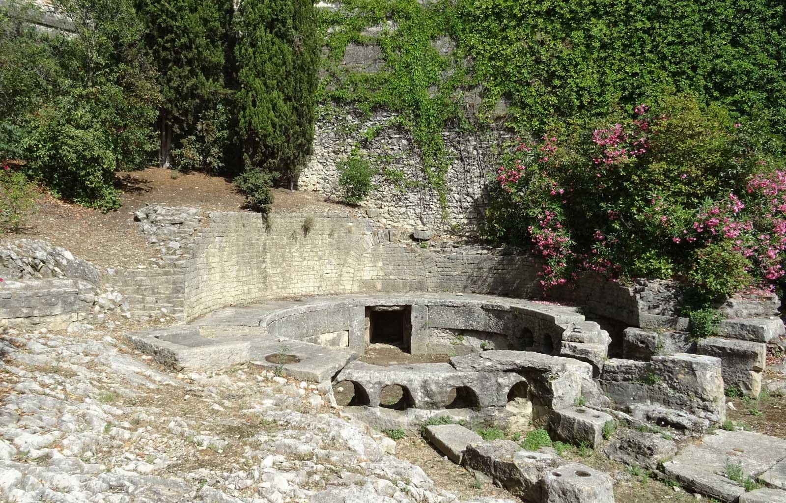 nîmes castellum aquae
