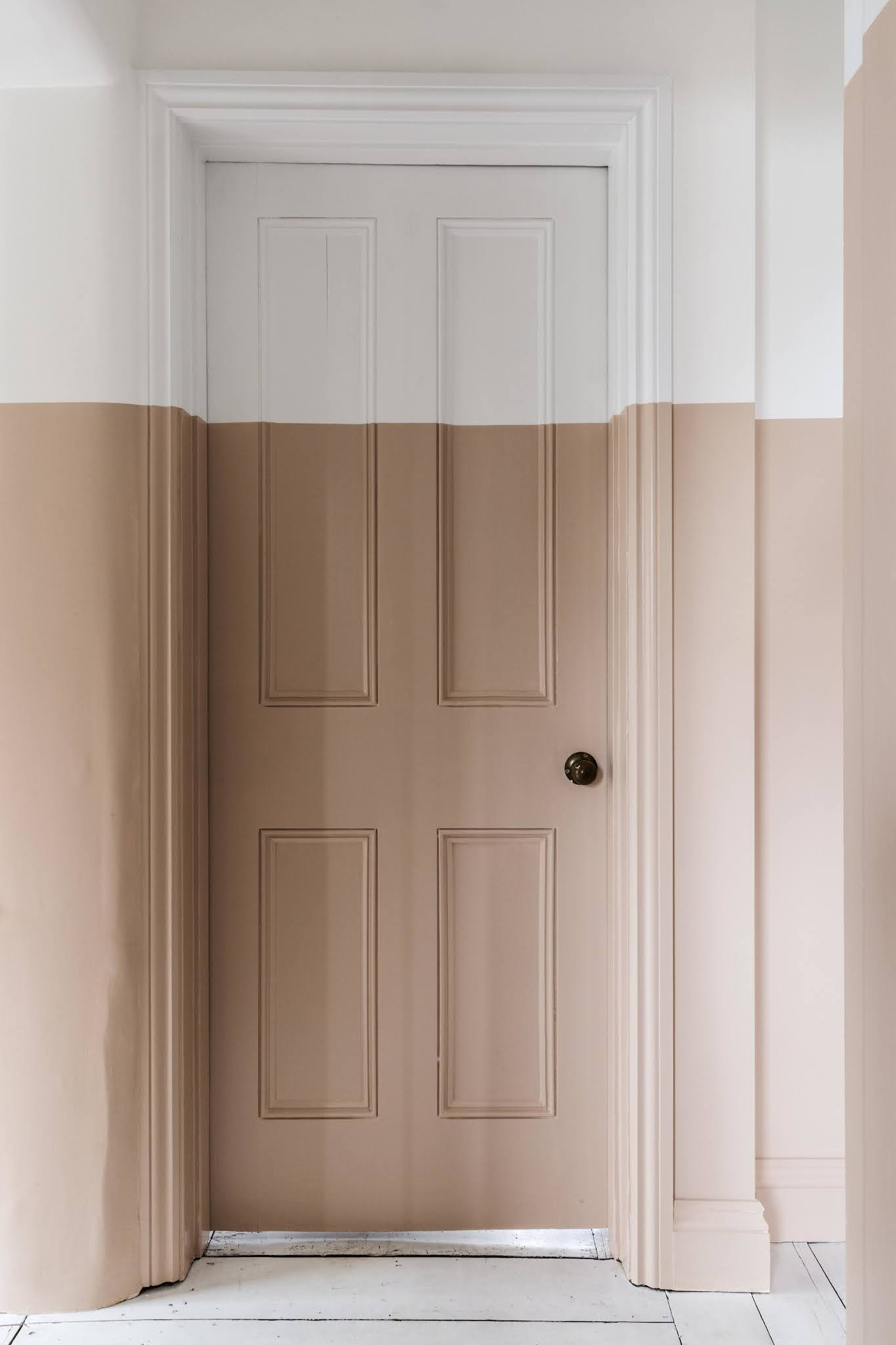 ilaria fatone - un couloir en nude et blanc