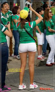 chicas nalgonas en la calle