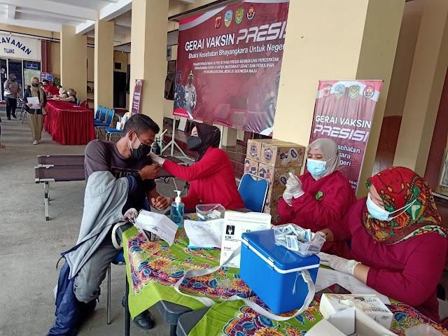 Kapolres Pantau Langsung Gerai Vaksin Presisi di Mapolres Tasikmalaya Kota