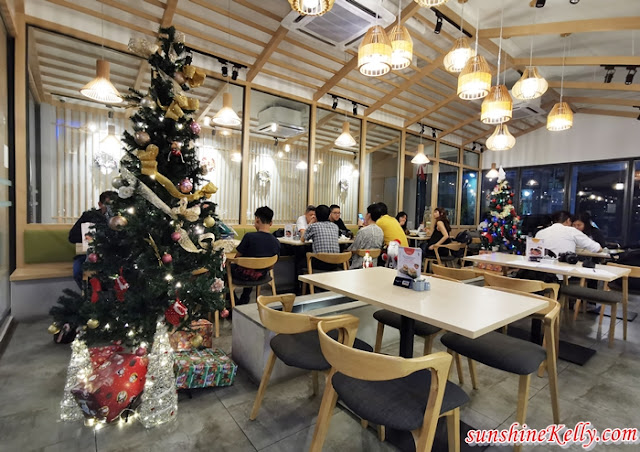 MOMOCHAN, The School, Jaya One, Pet Friendly, Japanese Fusion, Japanese Restaurant, Pork Free, Christmas Menu, Christmas 2019, Food Review, Food