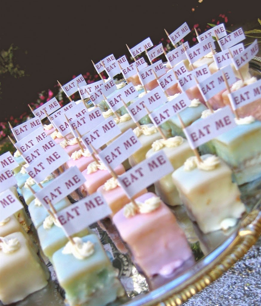 Creating an Alice in Wonderland Theme Wedding Reception