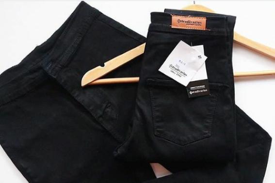 Tips Merawat Jeans Hitam Agar Tidak Mudah Luntur
