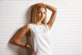 b82509efb2581 حل فصل الصيف، وعليكِ ارتداء التنانير والسراويل القصيرة والفساتين مرة أخرى،  ولكن ارتداء ملابس الصيف اللطيفة غالباً ما يأتي مع روتين مُحكم لإزالة شعر  الجسم، ...