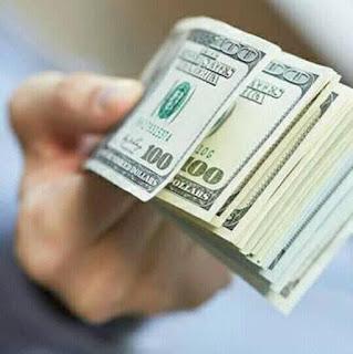 لەکاتی کردنەوەى بازاڕی دراوەکان لە هەرێمی کوردستان نرخی دۆلار بەرزبوویەوە.