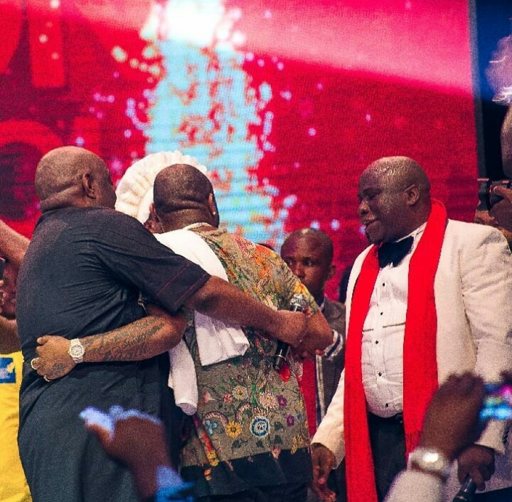 6 - FINALLY! Davido Publicly Apologizes To Dele Momodu As They End Their Beef (Photos)