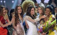 Foto Terbaru Iris Mittenaere Miss Universe 2017