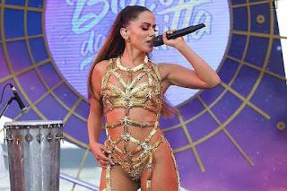 Anitta influente e milionária