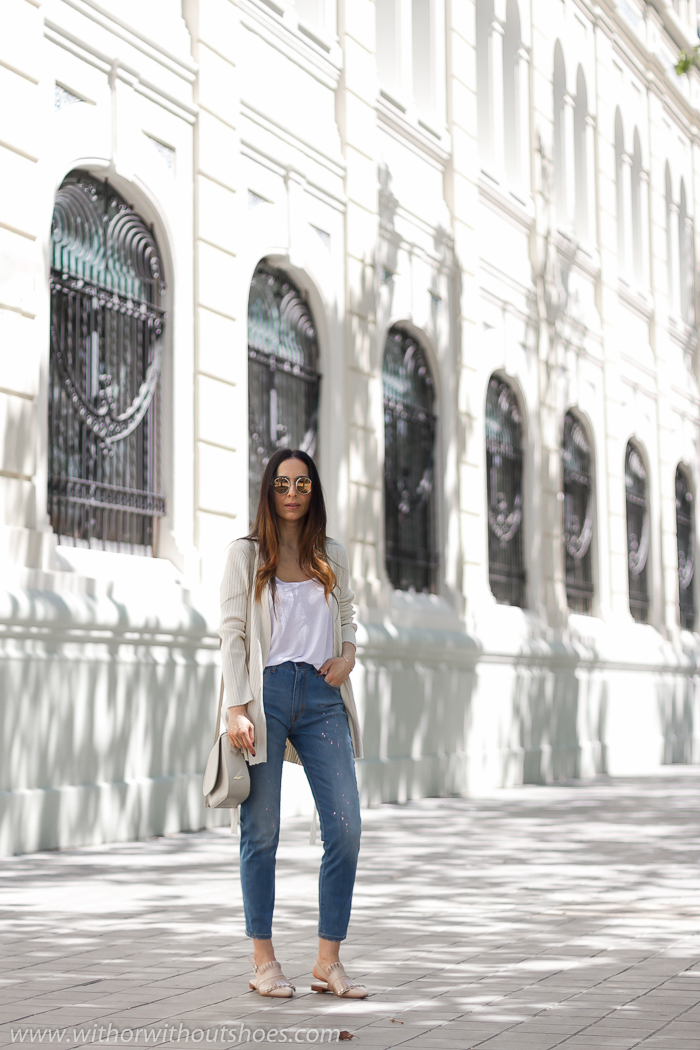 Blogger influencer instagram valencia lifestyle ideas look para combinar jeans mom fit cortos tobilleros Mareg Meltin Pot