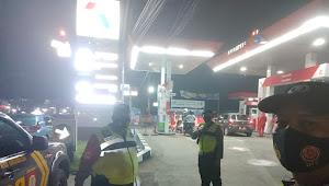 Patroli Dialogis Polsek Rancaekek Polresta Bandung di SPBU Imbauan Kamtibmas