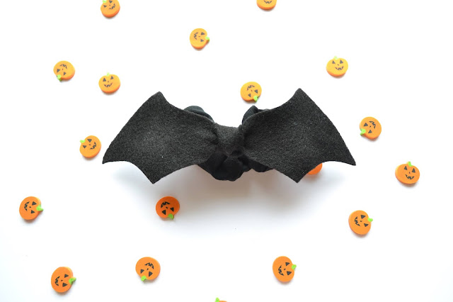 Halloween bat scrunchie - hair accessory