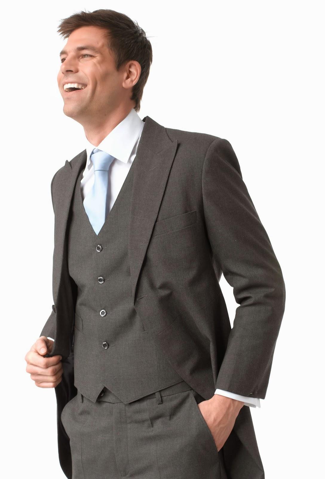 09a1423399141 Slim fit veya İtalyan kesim olarak tabir edilen modeller oluyor bunlar.  Ceketin omuzları vücudunuza mükemmel bir şekilde oturmalı, kolları da fazla  ...