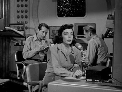 Marie Windsor as Helen Salinger in Cat-Women of the Moon (1953)