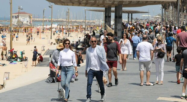 Stop mascherine all'aperto in Israele