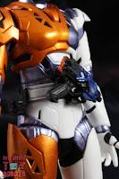 S.H. Figuarts Kamen Rider Valkyrie Rushing Cheetah 07