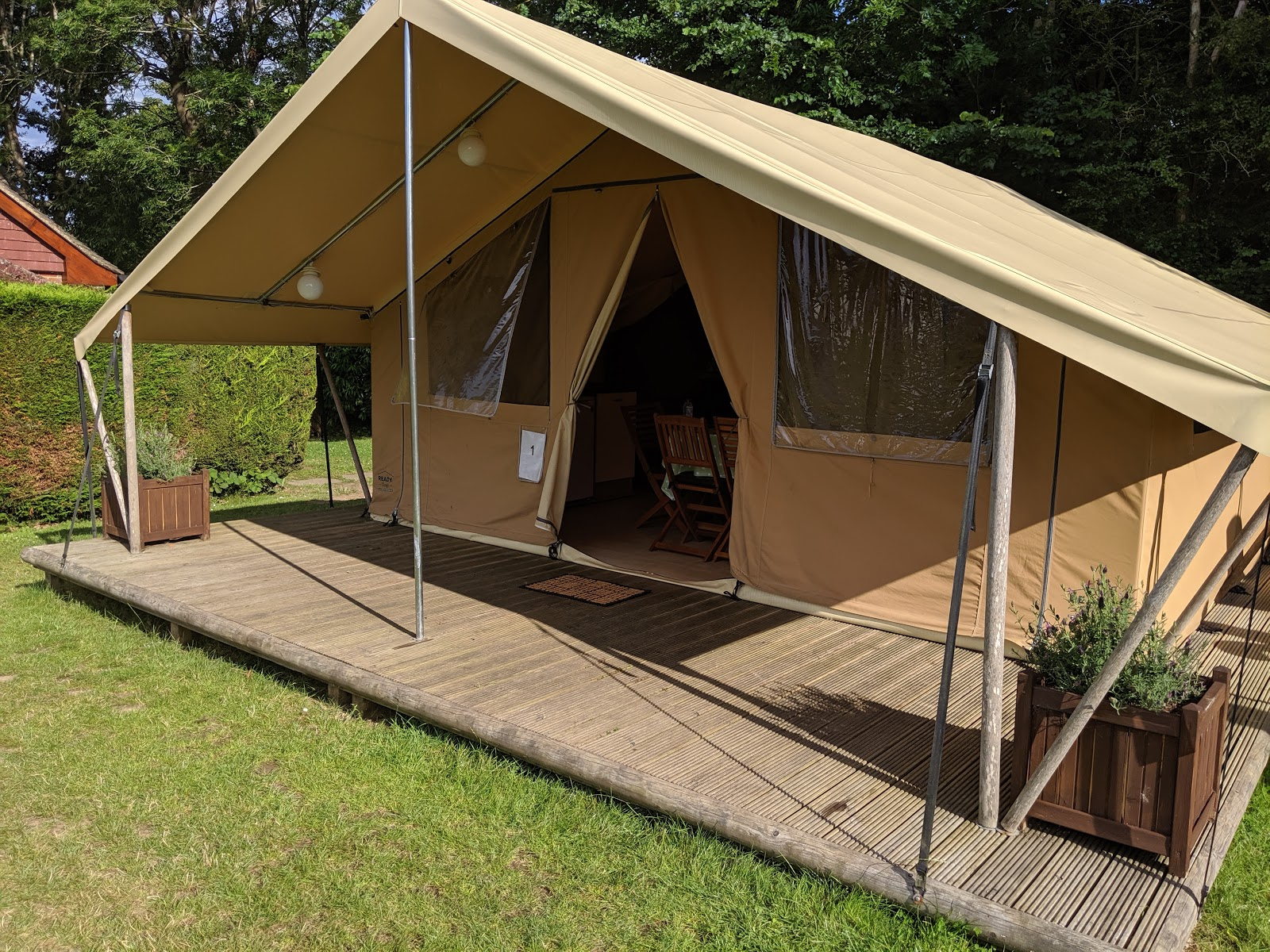 Ready Camp Horsley Review : Glamping near LEGOLAND and Chessington World of Adventures - tent exterior