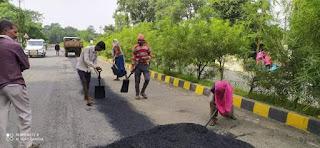 झाबुआ नगर में सड़कों का मरम्मत कार्य प्रारम्भ